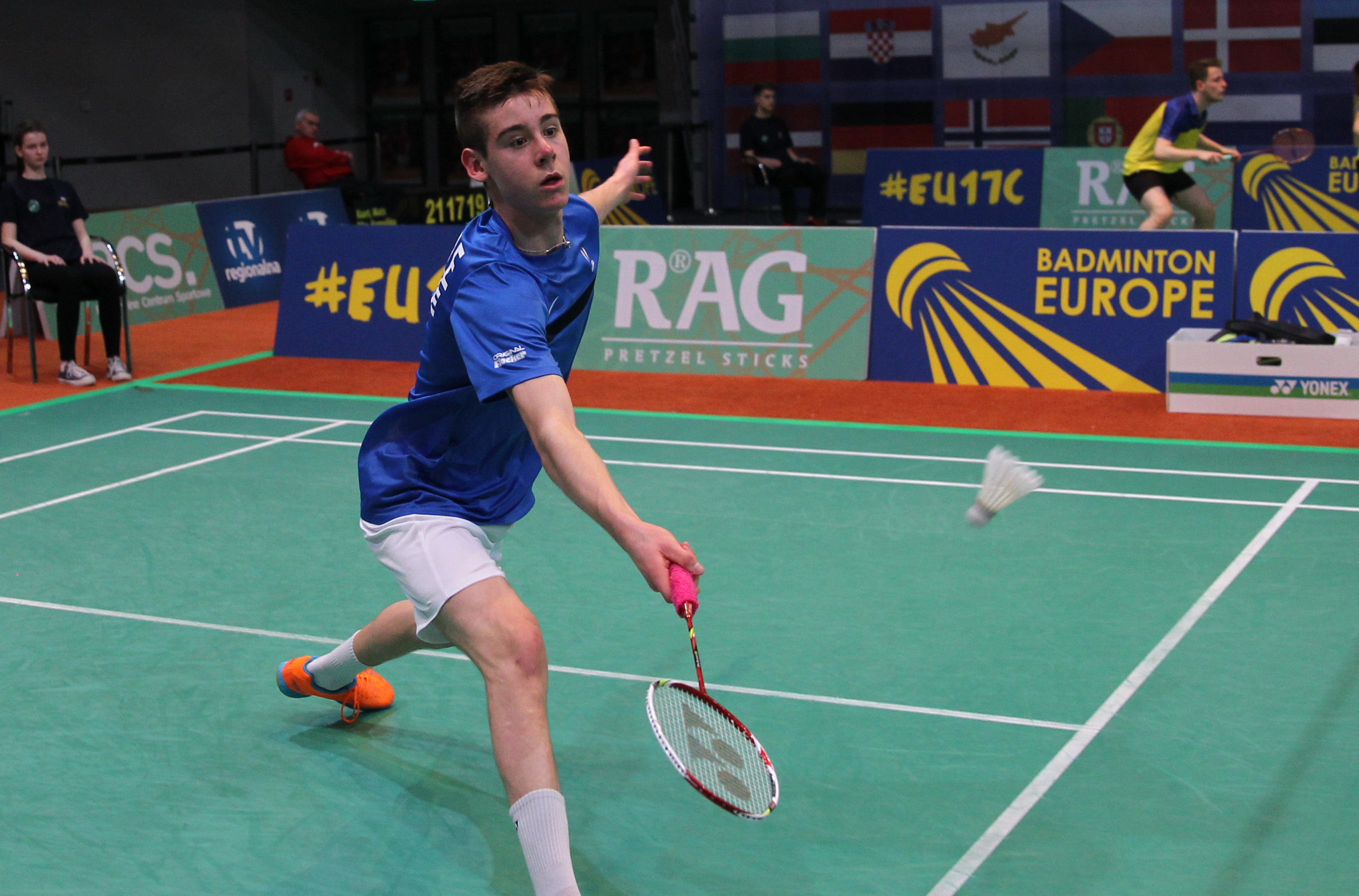 Young French dip toes in senior water Badmintoneurope